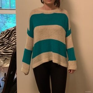 Vintage looking and colored Crew Neck sweater